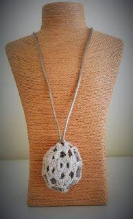 EL BLOG DE MARTIX: Piedra decorada a crochet