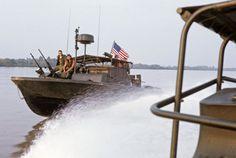 Brown Water Navy, Vietnam War Photos, North Vietnam, Military Pictures, Navy Military, Korean War, United States Navy, Navy Ships, Vietnam Veterans