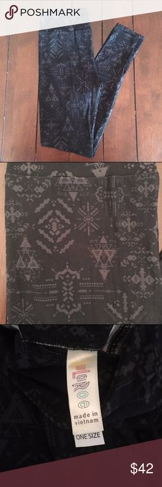 Aztec/Harry Potter Print Black & Grey OS Leggings These leggings are so flattering and gorgeous! Solid black background with fun grey Harry Potter/Aztec kind of print. Perfect for fall and Halloween! One size. New. I am not a consultant, just always on the hunt for great prints! {$25 is NOT an acceptable offer} LuLaRoe Pants Leggings