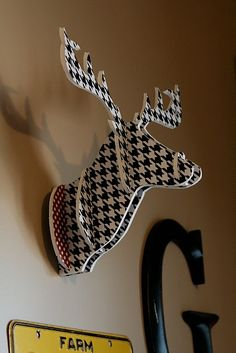 DIY Fake Deer Head by mydesigndumb.blogspot
