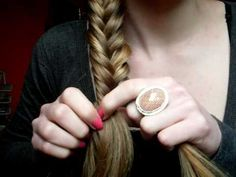 EASY tutorial for a fishtail braid..so simple..a cave woman can do it. I did it the 1st try. You can do it..