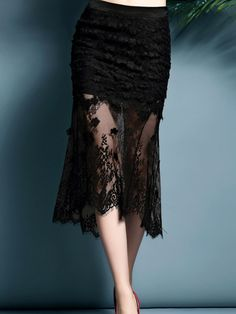 https://www.stylewe.com/product/black-lace-bodycon-floral-midi-skirt-17055.html