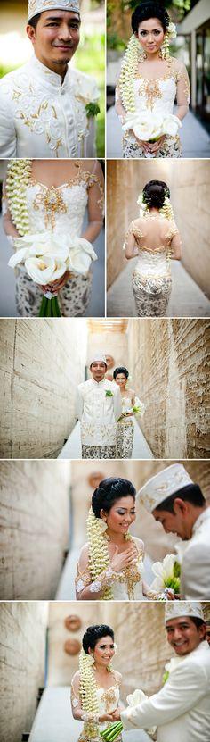 beautiful traditional Indonesian destination wedding in Bali at Kayumanis Nusa Dua Private Villas and Spa, wedding photos by Bunn Salzaron
