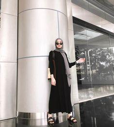 @vinamaulina Hijab Dress, Fashion 2020, Hijab Fashion, Cool Girl, Dressing, Ootd, Bikini, Womens Fashion, Outfits