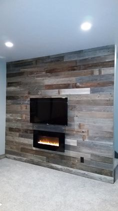 Simple Rustic Wood Accent Walls Hot Trend For 2017 Shown Here In Our Reclaimed