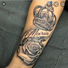 Be inspired by 80 crown tattoo images that show you will become a real queen choosing this art to immortalize the body. Mädchen Tattoo, Forarm Tattoos, Forearm Sleeve Tattoos, Best Sleeve Tattoos, Sleeve Tattoos For Women, Mom Tattoos, Tattoo Flash, Crown Tattoos For Women, Dope Tattoos For Women