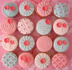 Blue pink cupcakes