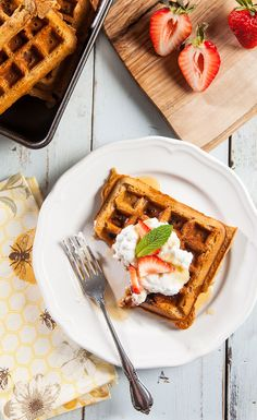 #Recipe: Strawberry Protein Waffles with Whipped Coconut Cream #VeganBreakfast #VeganRecipes
