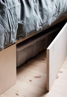 Funktionel opbevaring under sengen