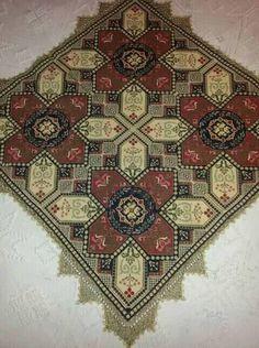 Bohemian Rug, Cross Stitch, Rugs, Pattern, Decor, Farmhouse Rugs, Throw Pillows, Punto De Cruz, Decoration