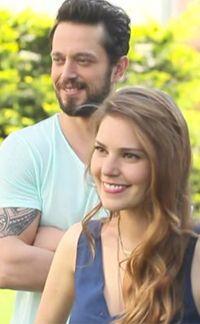 Murat Boz ile sürpriz bir aşka imza atan Aslı Enver, Men Hairstyles, Turkish Actors, Actors & Actresses, Ale, Beautiful People, Couple Photos, Couples, Hair Styles, Pretty