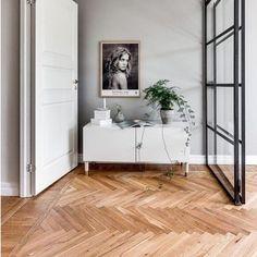 Herringbone heaven #interiordesigner #interiordesign #homedesign #herringbone #floor #interiorinspo #scandinaviandesign