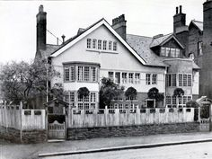 In 1891, Edgar Wood built his own house, Redcroft, and its neighbour Fencegate in Middleton, Manchester. It was styled on the old farmhouses of the area, even down to the whitewashed fencing.