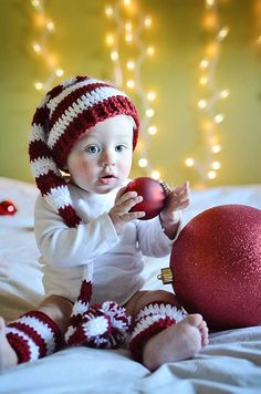 Baby Christmas Hat and Legwarmers, Baby's First Christmas, Baby Hat and Legging Set, Holiday Photo Prop, Christmas Photo Prop *Want so bad* lol