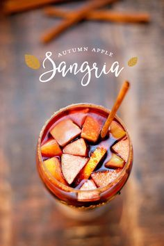 Autumn Apple Sangria with Cinnamon and Apple Cider - Great Thanksgiving or Fall…