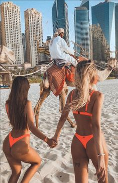How to Take Good Beach Photos Photo Summer, Summer Pictures, Summer Beach, Bff Goals, Best Friend Goals, Beach Girls, Bff Pictures, Best Friend Pictures, Lake Pictures