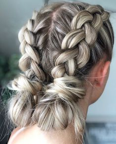 Pin by Morgan Nybo on Hair in 2019 Hair styles, Cool hairstyles, Rave hair Concert Hairstyles, Teen Hairstyles, Everyday Hairstyles, Pretty Hairstyles, Braided Hairstyles, Amazing Hairstyles, Casual Hairstyles, Medium Hair Styles, Curly Hair Styles