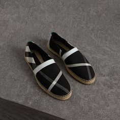 The Best Men's Shoes And Footwear : Burberry Check Cotton Canvas Seam-sealed Espadrilles Burberry Shoes, Burberry Men, Gucci, Men's Shoes, Shoe Boots, Shoes Style, Shoes Sneakers, Disney Wedding Shoes, Moda Men