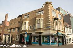 Gebouw in de Amsterdamse School stijl  hoek Telegraafstraat  Heuvelring. Zie ook http://www.salindo.nl/amsterdamse-school/