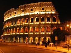 O Coliseu uma bela arte  Um dos mais ilustres pontos turísticos, e considerado o mais famosos de Roma, e o Coliseu, ficará aberto à visitações noturnas até o dia 02 de novembro desse ano.