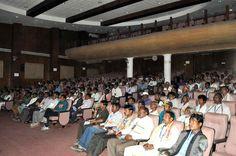 छत्तीसगढ़ विधानसभा के प्रेक्षा गृह में सरगुजा जिले के पंचायत प्रतिनिधियों ने प्रोजेक्टर पर विधानसभा सत्र की कार्यवाही का प्रसारण देखा. यहाँ उन्हें संसदीय प्रणाली से संबंधित हैण्डबुक दी गई. प्रतिनिधियों को सदन के भीतर ले जाया गया. जहाँ उन्होंने गर्भ गृह, वीआईपी दीर्घा, दर्शक दीर्घा के संबंध में जाना-समझा. सेंट्रल हाल में बैठकर कुछ देर विश्राम किया. विधानसभा भ्रमण करना उन्हें बेहद अच्छा लगा.
