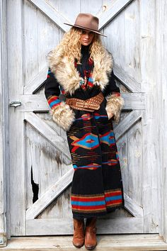 Printed Color-Block Patchwork Boho Outerwear - ropa, vacaciones y más Unique Fashion, Boho Fashion, Winter Fashion, Western Outfits, Western Wear, Cowgirl Outfits, Western Dresses, Estilo Folk, Mountain Wear