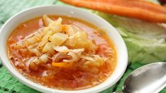 Sweet n' Sour Chicken and Cabbage Soup - going to reduce the brown sugar and apple vinegar by half, and add carrots. Cabbage Soup Recipes, Chili Recipes, Veggie Recipes, Cooking Recipes, Healthy Recipes, Healthy Soups, Col China, Chicken And Cabbage, Sweet N Sour Chicken