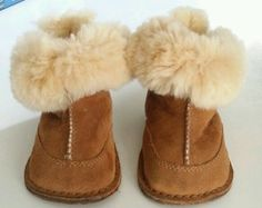 Baby Uggs size S