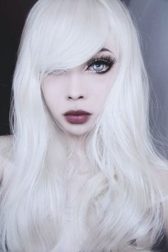 Wylona Hayashi w/ platinum/white blonde hair. Want to do this hair color, but I growing out my dyed black hair out to my natural hair color Goth Hair, Grunge Hair, Goth Beauty, Dark Beauty, She Is Gorgeous, The Most Beautiful Girl, Makeup Gothic, Idda Van Munster, White Blonde Hair