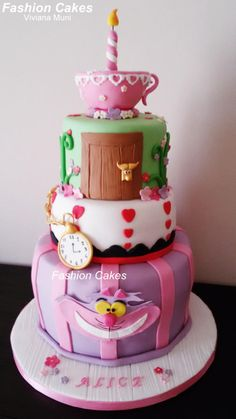 Alice in Wonderland - Cake by fashioncakesviviana