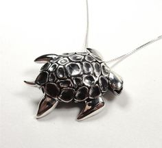 STERLING SILVER NAUTICAL PACIFIC SEA TURTLE TORTOISE OCEAN LIFE PENDANT NECKLACE
