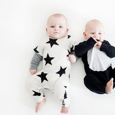 PLAYTIME POUR DEUX This little #nununucrew look like two peas in a pod in their Star Playsuit and Hooded Kimono Playsuit | RG @_heather_moore #nununuworld #nununu