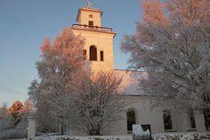 Kaarlelan kirkko talvella, ---- Kaarlela's church, Kokkola in the winter Grave Monuments, Graveyards, Notre Dame, World, Building, Winter, Travel, Outdoor, Winter Time