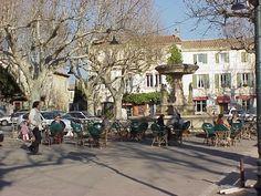 Maussane-les-Alpilles village square