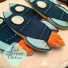 ship sugar cookies with royal icing by Oak Avenue Cookies Spaceship spa. - I love cookies -Rocket ship sugar cookies with royal icing by Oak Avenue Cookies Spaceship spa. - I love cookies - Space Astronaut Rocket Ship Alien Planet First Birthday Galletas Cookies, Iced Cookies, Cute Cookies, Royal Icing Cookies, Sugar Cookies, Cake Icing, Rocket Birthday Parties, 4th Birthday, Birthday Ideas