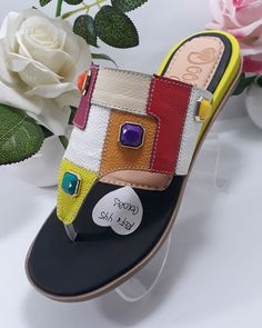 Shoes Heels Wedges, Women's Shoes Sandals, Leather Sandals, Slippers For Girls, Womens Slippers, Trendy Shoes, Cute Shoes, Shoes 2017, Girls Sandals