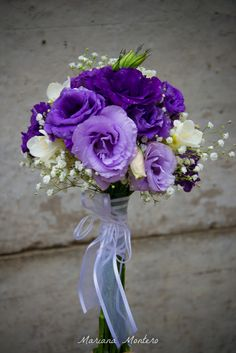 lisianthus, freesia, and babysbreath :) sweet