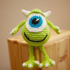 Peluche Disney au crochet -Mike Wazowski ou Bob Razowski de Monstre et Compagnie
