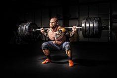 Kniebeuge - Die richtige Technik #ironking #trainingsprogramm #ironkingtrainingsprogramm #trainingstipps #workouts #fitness #fitnesstraining #kniebeuge #squat #squats #technik