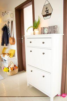 Metamorfoza przedpokoju w bloku Dresser As Nightstand, Diy, Table, Furniture, Home Decor, Homemade Home Decor, Bricolage, Mesas, Home Furnishings