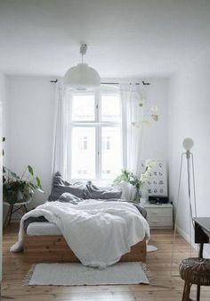Minimalist Home Design Layout minimalist bedroom black decor.Minimalist Home Inspiration Small Spaces. Minimalist Interior, Minimalist Bedroom, Minimalist Decor, Minimalist Kitchen, Trendy Bedroom, Modern Bedroom, Bedroom Black, Modern Bedding, Contemporary Bedroom