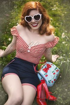 Blueberry Hills Gingham Shorts in Denim. high waist style features a playful fold over with a red and white gingham print at the short legs. The handy side pockets at the front and flap pockets at the back Style Rockabilly, Rockabilly Fashion, Rockabilly Girls, Estilo Pin Up, Gingham Shorts, Red Gingham, Gingham Fabric, Vintage Outfits, Vintage Fashion