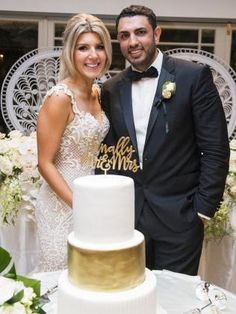 #Wedding #cake ideas: three-tier wedding cake, with #chocolate and #vanilla flavours, and a #dessert #buffet