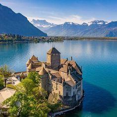 Montreux | Switzerland Tourism Switzerland Travel Guide, Switzerland Tourism, Geneva Switzerland, Europe Tourism, Big Lake, Lake Geneva, Beautiful Places, Scenery, Places To Visit