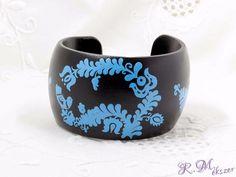Fa kék fekete festett karperec