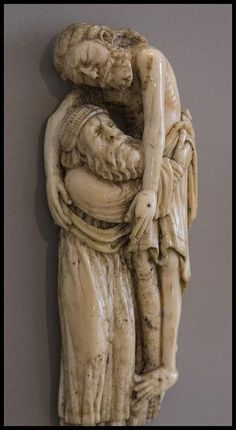 Jesus is Carried Down from the Cross. A beautiful medieval ivory in the Victoria & Albert Museum of a dead Jesus being tenderly carried by Joseph of Arimathea. Religious Icons, Religious Art, Pontius Pilatus, Joseph Of Arimathea, Rome Antique, Religion, Mystique, Holy Week, Catholic Art