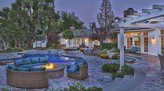 http://www.elledecor.com/celebrity-style/celebrity-homes/a1841/iggy-azalea-lists-house-for-sale/