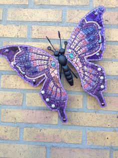 glasmozaiek vlinder metaal mozaiek vlinder door CapolavoriDiMosaico