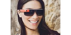 El fabricante de las gafas de sol Oakley y Ray Ban se alía con Intel para hacer sus propias «Google Glass». Para saber más: http://opticaarense.com/