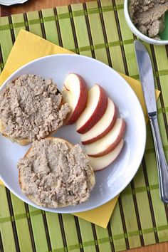 Cretons de porc - pork cretons (Québécoise spiced meat spread) www.catherinecuisine.com
